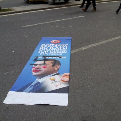 Üzerine Nazi Simgesi Çizilmiş Recep Tayyip Erdoğan Seçim Posteri
